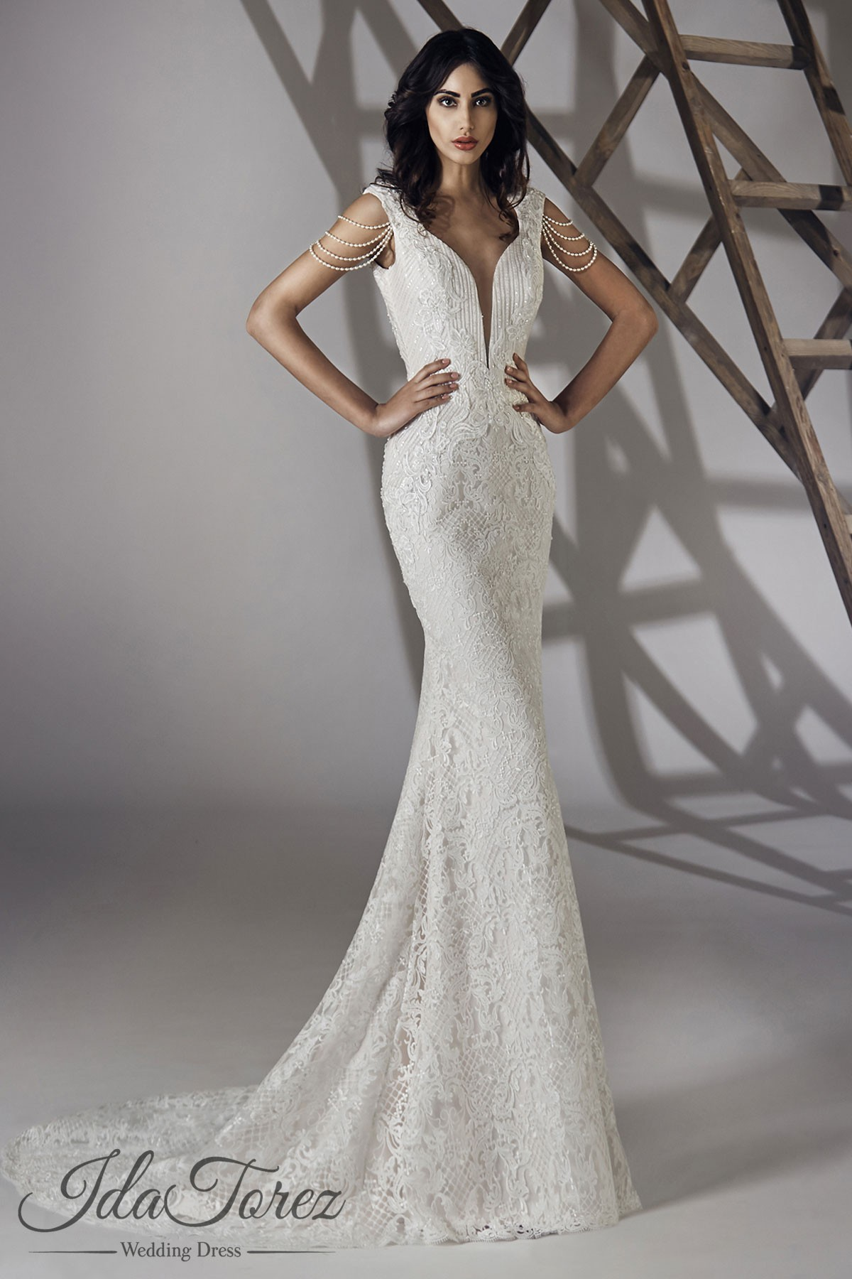 Cocomelody: Trumpet-Mermaid Court Train Lace Open Back Wedding Dress ...