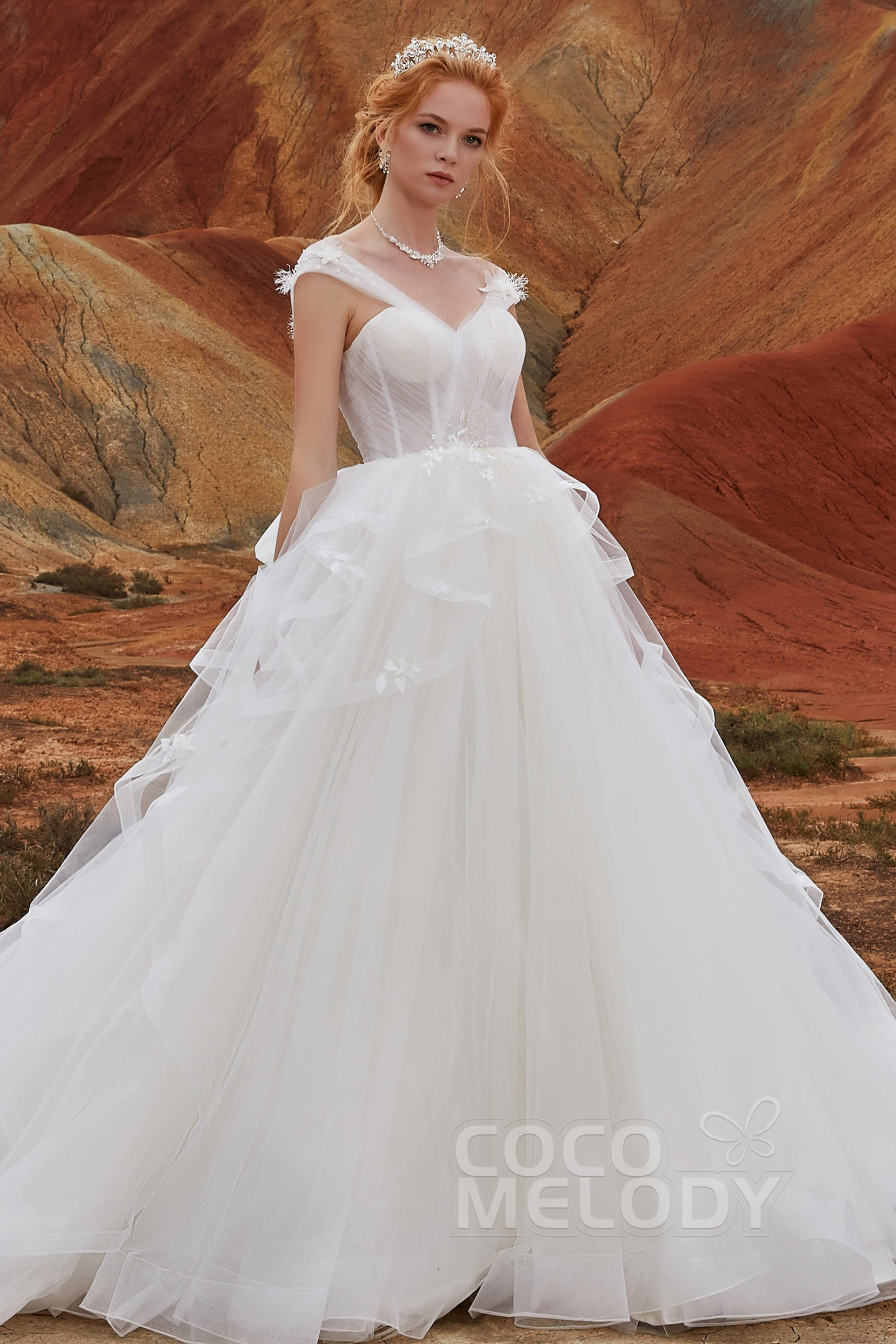 b3c6da7f41899e A-Line Chapel Train Tulle Sleeveless Wedding Dress LD5802 | Cocomelody