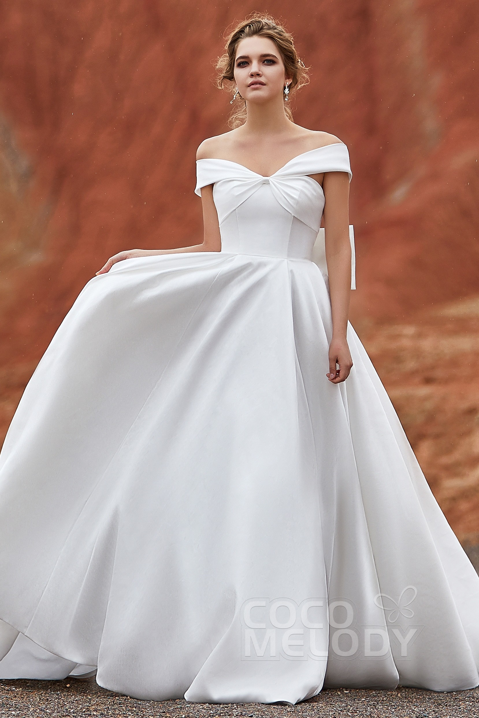 5a454d598c Charming Off The Shoulder Sleeveless Wedding Dress LD5801 | Cocomelody