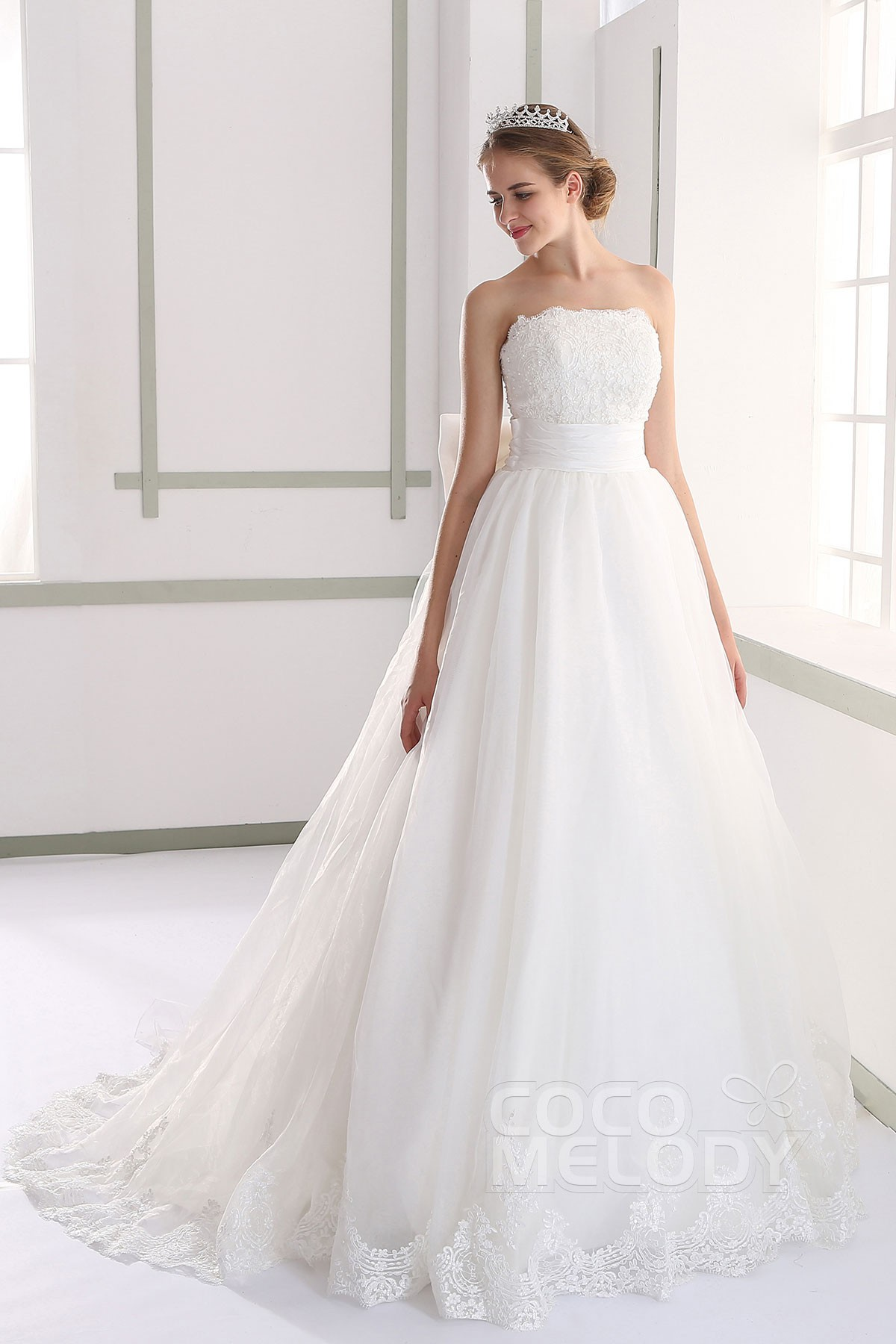 A Line Strapless Organza Wedding Dress Bowknot Lh189 Cocomelody