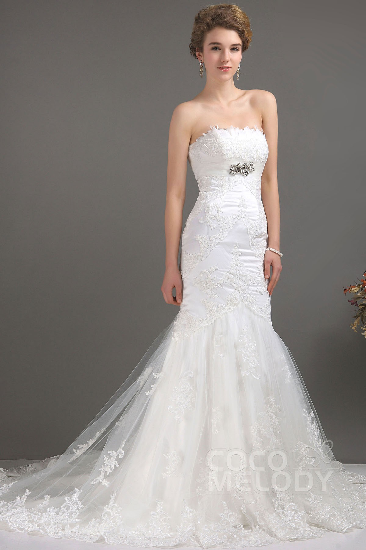 Trumpet-Mermaid Court Train Tulle Wedding Dress CWLT09003 | Cocomelody