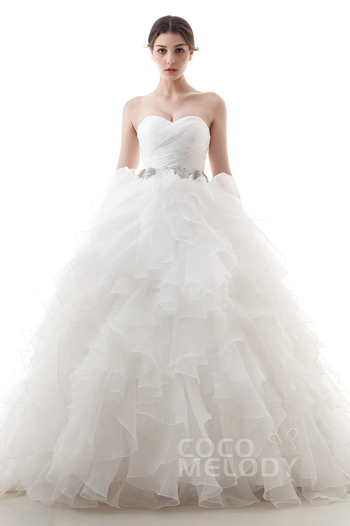 Dramatic Ball Gown Sweetheart Train Organza Ivory Lace Up Corset Wedding Dress With Beading And Pleating Ld3647
