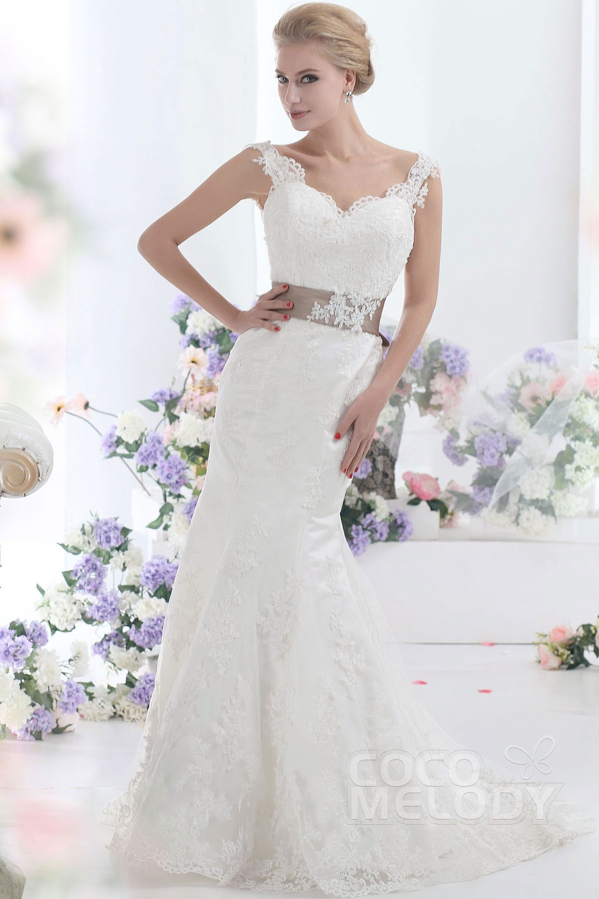 Trumpet-Mermaid Train Lace Wedding Dress CWVT13002 | Cocomelody