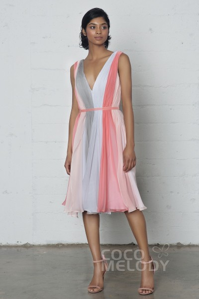 Impressive Sheath Column V Neck Natural Knee Length Chiffon Sleeveless Zipper Dress With Pleating