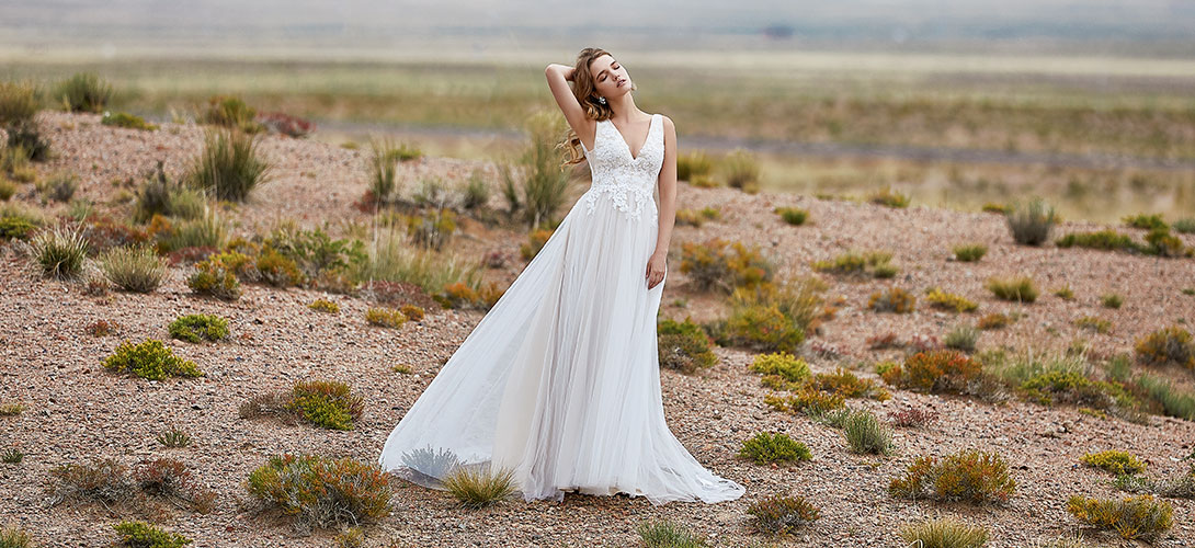Plus Size Wedding Dresses Custom Size Bridal Dresses Cocomelody,Maxi Dress Wedding Guest Outfit Ideas 2020