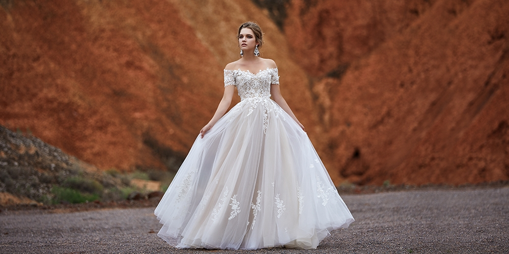 Your Ultimate Guide To Wedding Dress Train Styles Length Cocomelody,Black Dress To Wedding